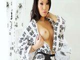 La preciosa Asa Akira te da un buen masaje con final feliz - Asiaticas