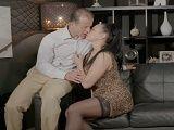 Esta madura invita a su nuevo novio a una cita romántica  - Hardcore