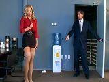 Así da gusto ir a trabajar, con una secretaria que es tan golfa - Sexo Duro